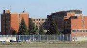 Vercelli: sorpreso mentre tenta di introdurre un cellulare in carcere