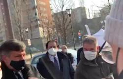 Video - Alberto Cirio sul ritardo nella consegna dei vaccini anti Covid