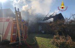 Borgo d'Ale: in fiamme un magazzino