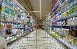 """Vaccini: """"Priorità a chi lavora in supermercati, banche  e poste"""""""