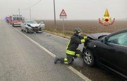 Scontro tra auto, tre persone in Pronto soccorso