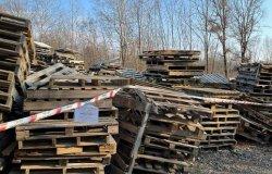 Lozzolo: sequestrati centinaia di bancali e sacchi