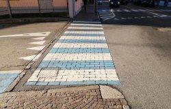 Borgosesia: investite mamma e bambina sulle strisce pedonali