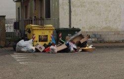 """Vercelli: """"Cumuli di rifiuti"""""""
