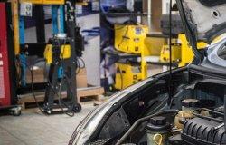 Scoperta una carrozzeria abusiva: 10.000 euro di multa
