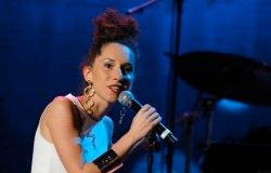 La cantautrice vercellese Francesca Sarasso nella rosa dei selezionati