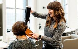 Petizione per riaprire i saloni di parrucchieri ed estetisti