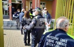 Sospesi i vaccini AstraZeneca anche a Vercelli