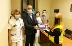 Trino: donato un tablet per la teleassistenza alla casa di riposo