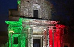 La chiesa di Billiemme si illumina per le vittime del Covid