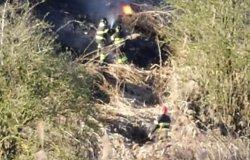 Pericoloso incendio di sterpaglie a San Genuario