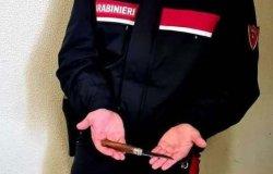 """Coltelli e hashish in auto in """"zona rossa"""": denunciato"""