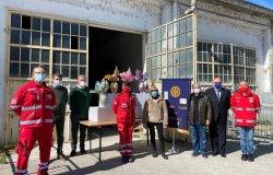 Rotary Vercelli dona 504 uova di Pasqua alla Croce Rossa