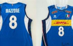 Maglietta dei mondiali 2018 del pallavolista Mazzone all'asta per Aido