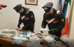 Droga acquistata sul dark web: arrestato perito informatico