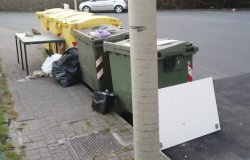 """Corso Abbiate: """"Altri rifiuti abbandonati di notte"""""""