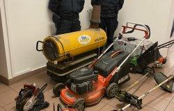 Ruba un escavatore, un trattore e mezzi agricoli: denunciato