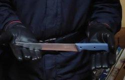 Non accetta le prese in giro al parco: uomo minaccia un minorenne con un coltello