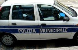 Novara: la Polizia locale salva un bimbo di 5 anni da un incendio