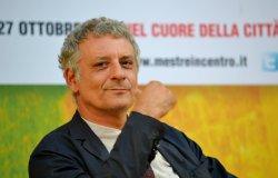 Confronto online con lo scrittore Alessandro Robecchi