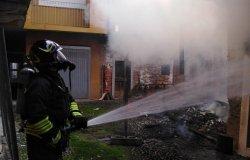 Gattinara: incendio in un'abitazione disabitata del centro storico