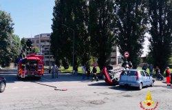 Trino, scontro tra due vetture: ci sono persone ferite