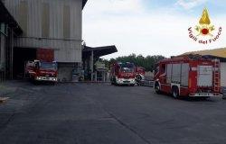 Gattinara: in fiamme il capannone della Sanac