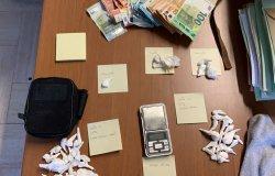 Vendeva cocaina nella sua abitazione: arrestato