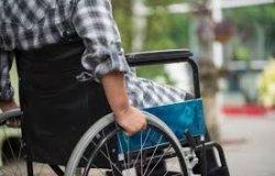 Il Rotary club Viverone Lago dona una carrozzina pieghevole al Cisas
