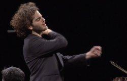 Emmanuel Tjeknavorian dirige l'Orchestra Camerata Ducale