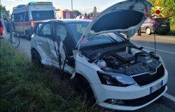 Livorno Ferraris: scontro tra due auto, feriti portati in ospedale