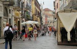 """""""Festa dei saldi"""": weekend tra i negozi e gli stand all'aperto"""
