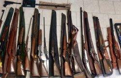 Dimentica il fucile da caccia sull'auto usata dal figlio: denunciato