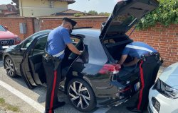Livorno Ferraris: parcheggia il motorino e gli rubano chiavi e documenti