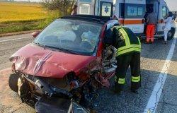 Incidente sulla Sp455 tra due auto e un mezzo pesante