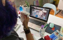 Online laboratori di bellezza per donne in trattamento oncologico