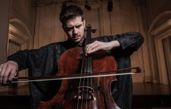 """""""Vox Celli"""" con il violoncellista Lamberto Curtoni."""