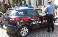 Vercelli: ruba il cellulare a due studenti, arrestato