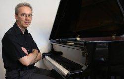 Concerto  del pianista vercellese Enrico Cerfoglio
