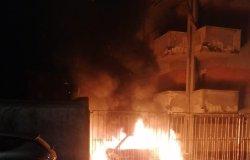 Trino: in fiamme un'autovettura