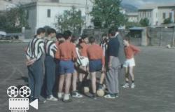 """Lo straordinario filmato di Silvio Piola """"maestro"""" di calcio"""