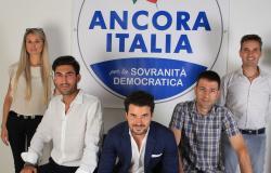 Una sezione di Ancora Italia, il partito fondato da Francesco Toscano