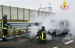 Torino - Milano: si incendia un'autovettura