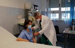 Vaccinazioni contro il Covid ai dipendenti ospedalieri