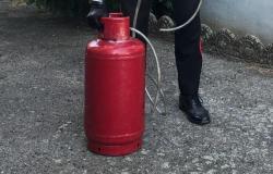 Bianzè: tenta di uccidere il vicino di casa con il gas, arrestato