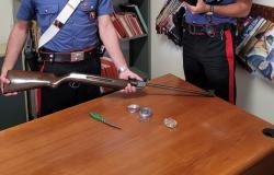 Lenta: minaccia la madre e ferisce il comandante dei carabinieri