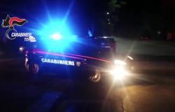 Lo picchiano e minacciano per estorcergli 60 mila euro: arrestati