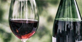 """""""Bruxelles vuole togliere l'alcol dal vino aggiungendo l'acqua"""""""