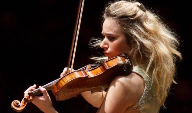 Anna Tifu violinista