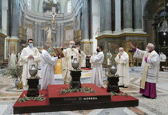 Benedizione oli santi (foto Morera)